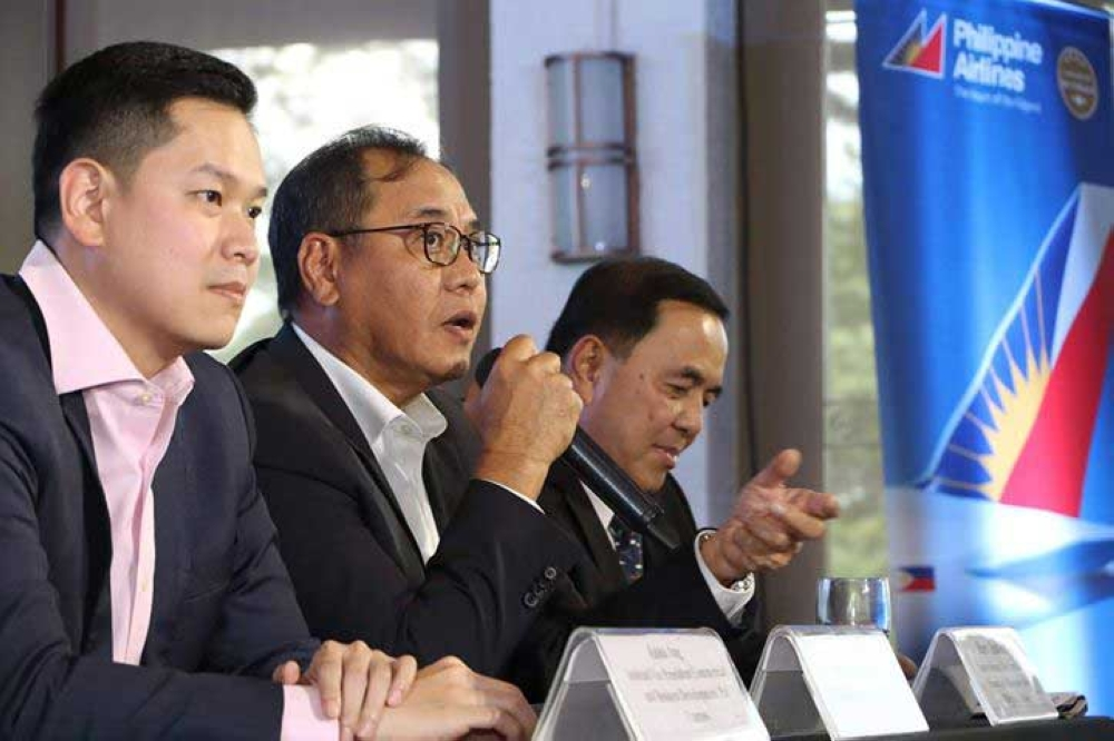 PAMPANGA. Philippine Airlines Express president Bonifacio Sam (center), announcing that the airline expanded its domestic route network from Clark International Airport (CRK) during a press conference at Quest Hotel, Clark on October 18, 2018. Joining him are Rabbie Ang (left), assistant vice president for Commercial and Business Development of PAL Express; and Harry Inoferio (right), PAL senior assistant vice president for Visayas and Mindanao Sales. (Photo by Chris Navarro)