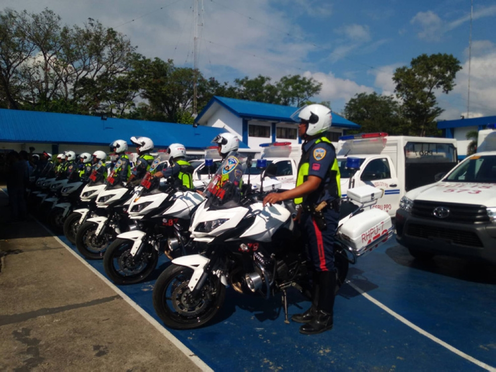CEBU. The officials of PRO Central Visayas accepts the new service vehicles, motorcycles, machine guns and protective gear from Camp Crame. (SunStar photo/Kevin Lagunda)