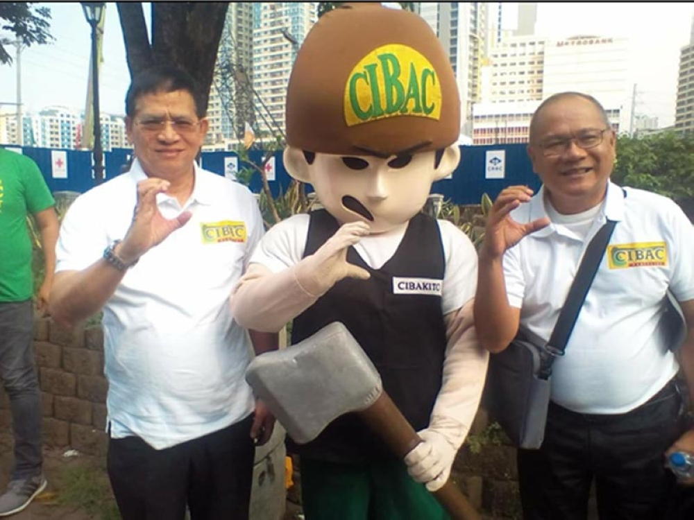 Former Bacolod City councilor Lyndon Caña (right) with Bro. Eddie Villanueva (SunStar Bacolod)