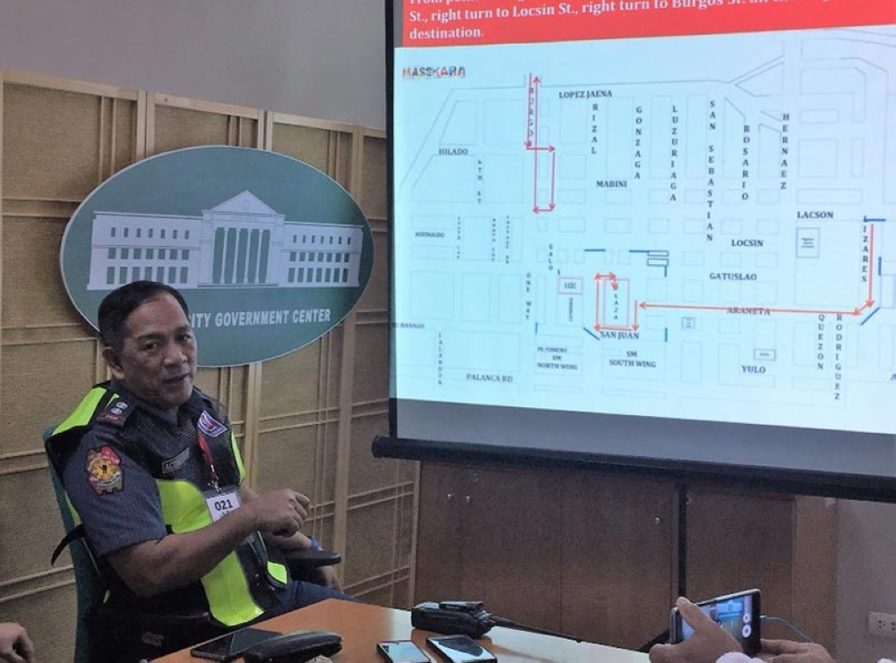 BTAO head Superintendent Luisito Acebuche presents the traffic rerouting plan from October 26 to 28. (Merlinda Pedrosa)