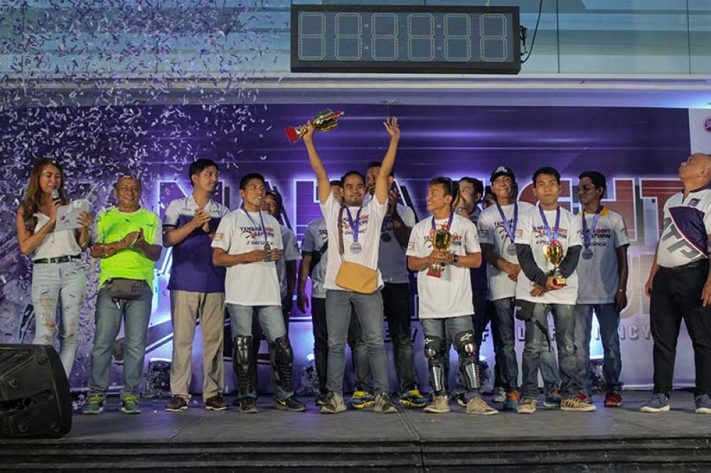TOP 10. Petron Safe Run qualifying leg top 10 finishers receive their trophies during the awarding ceremony held in Yamaha Rave Zone Ulas. The top 10 finishers will represent the region in the finals set in Cagayan De Oro on November 18. (Contributed photo)