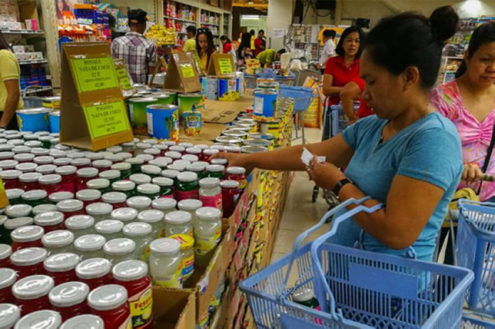 DAVAO. The Department of Trade and Industry warns public to expect prices of Noche Buena items to shoot up this year. (SunStar File Photo)