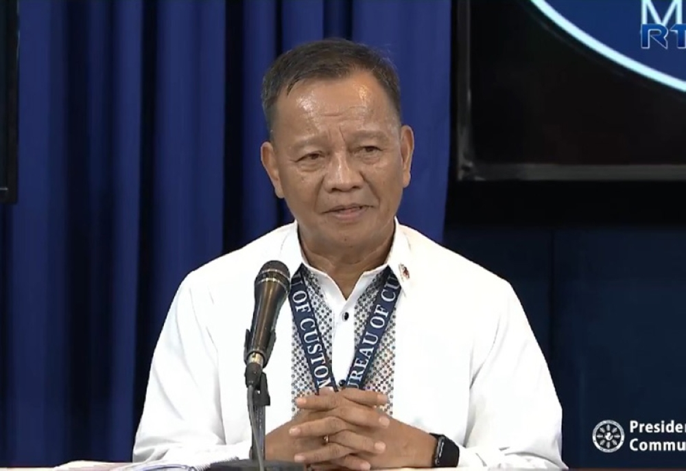 MANILA. Retired general Isidro Lapeña started the day as Customs commissioner, fielding questions from Palace reporters on October 25, 2018. By the end of the day, all Customs commissioners and department heads were out and Lapeña has been named to the Technical Education and Skills Development Authority. (Presidential Communications video)