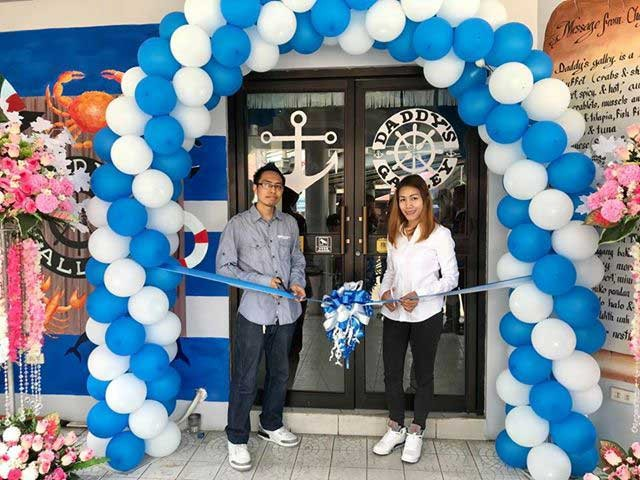 PAMPANGA. Daddy's Galley owners RJ and Mary Ann Maninang lead the restaurant's grand opening in the City of San Fernando. (Photo by Erika Mariel Gines)