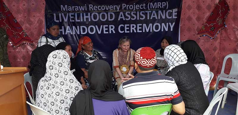 MARAWI. Australian ambassador to the Philippines Amanda Gorely meets with some internally displaced persons (IDPs) who are beneficiaries of the Marawi Recovery project of the Community and Family Services International (CFSI). (Photo by Riz P. Sunio)