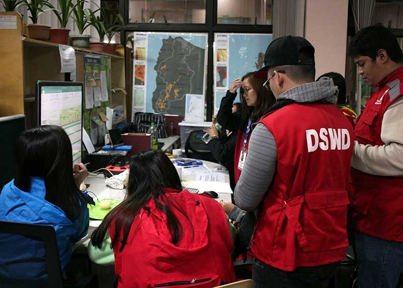BAGUIO. Government agencies in the Cordillera Administrative Region continuously monitor the weather and number of evacuees to make sure assistance is given to those in need during the onslaught of Typhoon Rosita. (Photo by Jean Nicole Cortes)