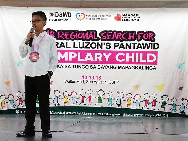 PAMPANGA. Grade 8 student Fritz Blue Yson Gadaza from Olongapo wins the 2018 Regional Search for Pantawid Exemplary Child. He will be Central Luzon's representative to the national search this November. (Contributed photo)