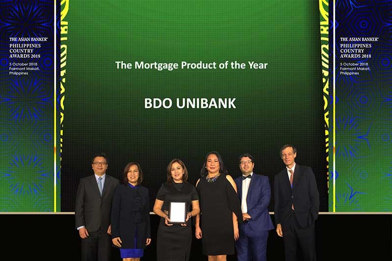 MORTGAGE PRODUCT OF THE YEAR. Foo Boon Ping, Managing Editor of TAB; Ms. Grace G. Lastimosa, FVP and unit head of BDO Consumer Loans Group's Secured/Business Development/Home Loans Business – Branch Channel; Angelita Manulat, SVP and head of BDO Home Loans Business; Prima R. Madrelejos, VP and unit head of Secured/Business Development/Home Loans Business – CTS Financing; David Gyori; International Resource Director of TAB; and Richard Hartung, International Resource Director of TAB during the Mortgage Product of the Year of The Asian Banker Philippines Country Awards 2018. (Contributed photo)