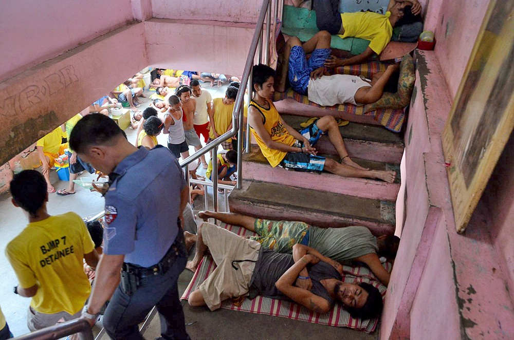 DECONGEST. If the close to 1,000 inmates of the Cebu City Jail are released to undergo rehabilitation outside, the facility will have more breathing room. (SunStar foto /Alan Tangcawan)