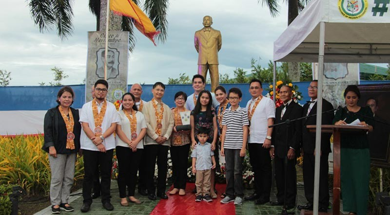 Wreath-laying at the General Aniceto Lacson Monument, with heirs of General Simon Lizares led by Talisay Mayor Neil Lizares and his family, together with PWU president and Bayanihan chairman Jose Francisco Benitez and several Talisay City councilors. (Contributed photo)