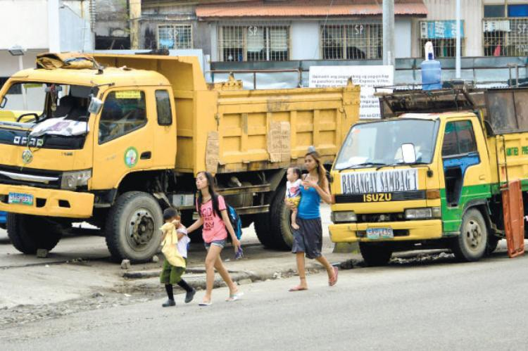 CEBU. Officials are still debating whether the budget allocated to address garbage problems is enough or too much. (SunStar file)
