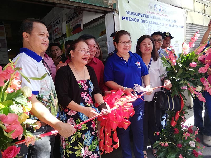 CAGAYAN DE ORO. Government agencies DTI, NFA, DA, PNP, CDO CPCC, City Council Commitee on Trade and Commerce and the Grains Retailers Confederation joined forces in launching the prescribed labeling and suggested retail price (SRP) for milled rice Thursday, November 8 at Cogon Market. (Contributed Photo)