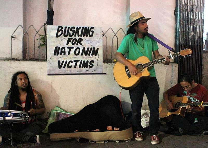 BAGUIO. A group of buskers who raised funds for the victims of Typhoon Ompong are once again on the streetS to perform and raise funds for the victims of Typhoon Rosita, particularly in Natonin, Mountain Province. (Photo by Jean Nicole Cortes)