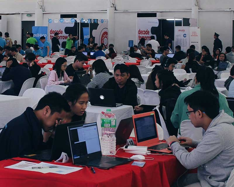 MANILA. Around 800 hacker-participants work on business solutions for the Aboitiz Group of Companies in Decode Tomorrow hackathon on November 10 to 11, 2018 at The Mega Tent in Ortigas Center, Pasig City. (Contributed Photo)
