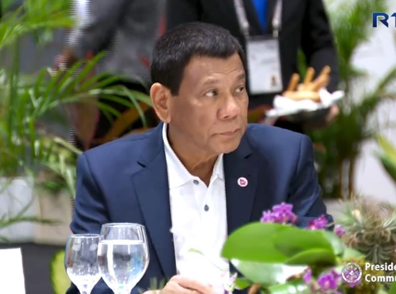 SINGAPORE. President Rodrigo Duterte attends a working dinner for Asean leaders hosted by Singapore Prime Minister Lee Hsien Loong in Singapore on November 14, 2018. (Photo grabbed from RTVM video)