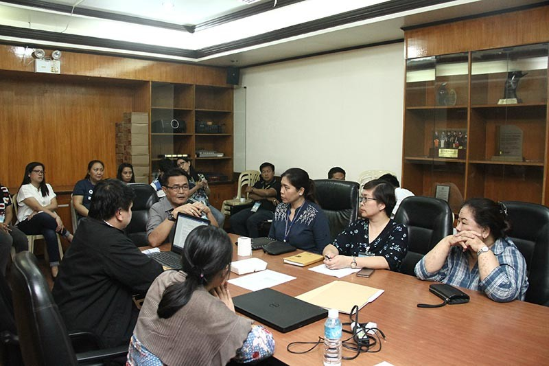 PAMPANGA. San Fernando City Administrator Engr. Fernando Limbitco discusses with department heads the recommendation for continued certification of the International Organization for Standardization (ISO) 9001:2015 for the local government unit after it passed the second surveillance audit of Anglo Japanese American Registrars. (Contributed photo)