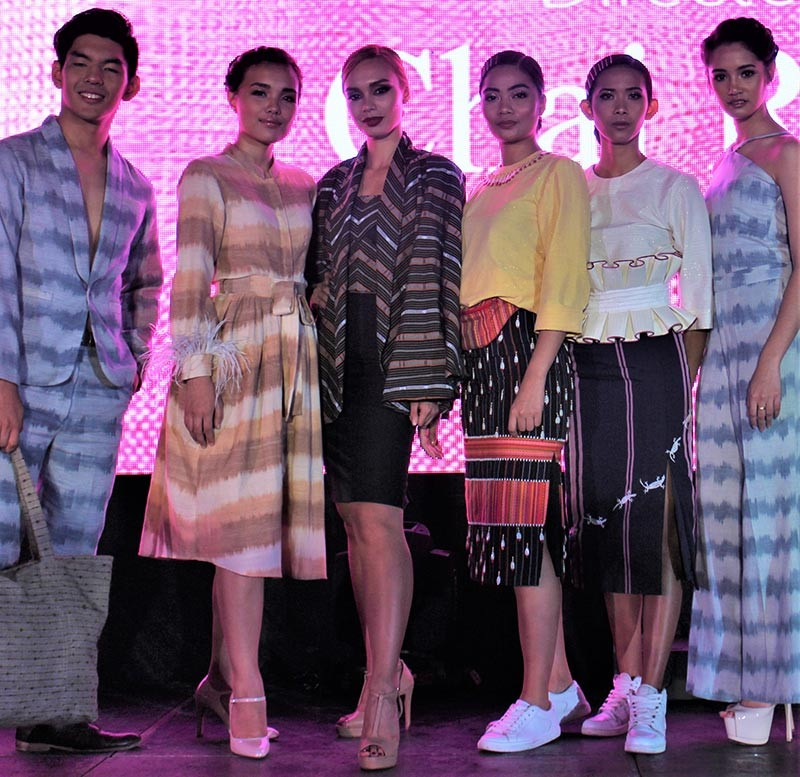 BAGUIO. A creative and contemporary fashion fusion of local weaves featuring Easter Weaving Room, Eros Goze; Topskill Handicrafts, Jairus Sumineg; and Narda's Woven Handicrafts , Harvic Dominguez in Inabe ed Bilig (Weave of the Mountains) at Malcolm Square on November 13.(Osharé/Brenda Lee Villanueva)