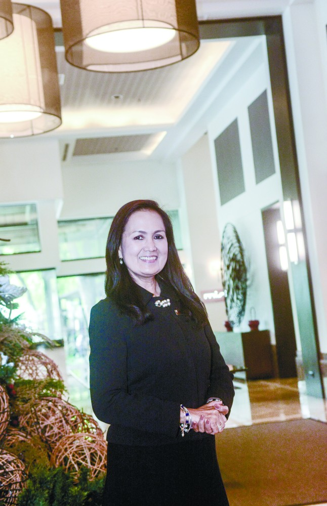 BUSY WITH BOOKINGS. Seda Ayala Center Cebu general manager Gwendolyn dela Cruz says most of the hotel's guests are business travelers who check in in the middle of the week and stay on until the weekend.  SUNSTAR FOTO /  AMPER CAMPAÑA