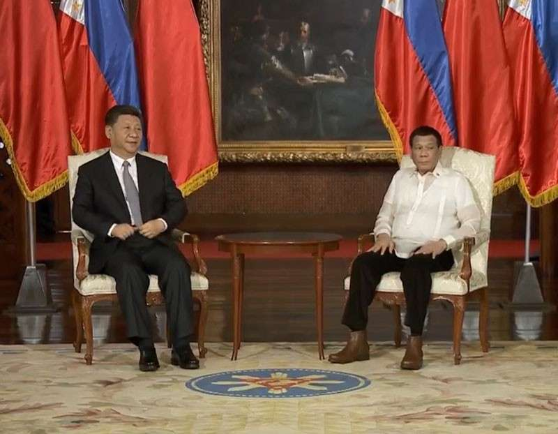 MANILA. President Rodrigo Duterte and President Xi Jinping of the People's Republic of China witness the exchange of several agreements during the latter's State Visit to the Philippines at the Malacañan Palace on November 20, 2018. (Photo from RTVM video)