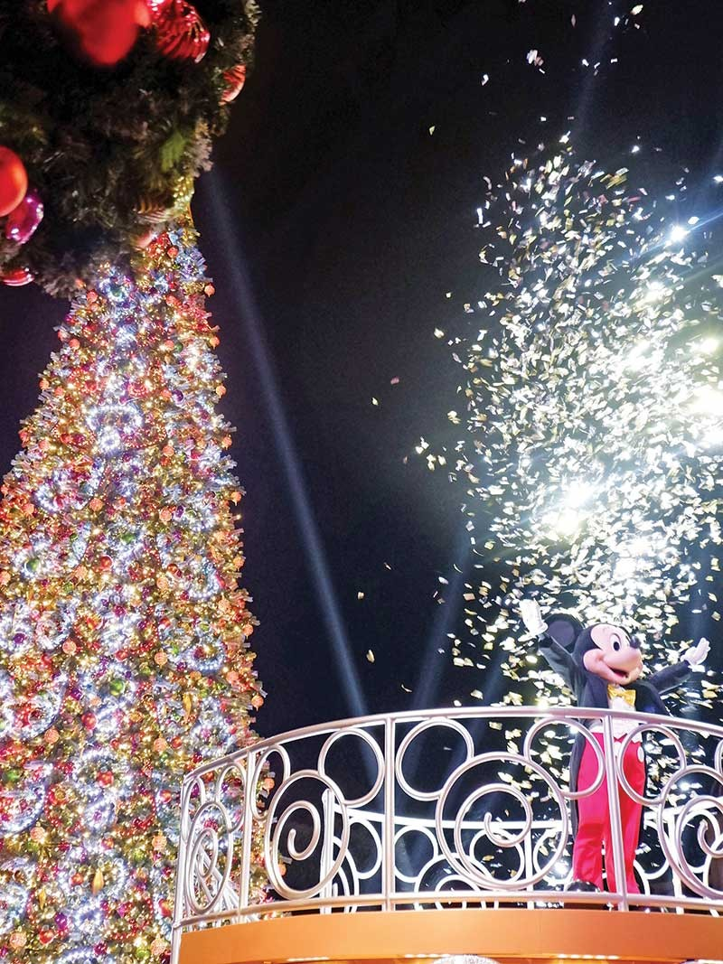 Christmas In Disneyland Hong Kong.8 Reasons Why You Should Have A Disney Christmas In Hong