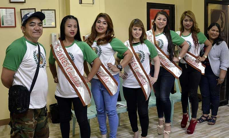 WORLD AIDS DAY 2018. Baguio Association of Bars and Entertainment Society president Allan Bandoy with Miss BABES 2018 candidates join the Baguio AIDS Watch Council members in a meeting at the City Health Services Office for the finalization of the scheduled events/activities for the observance of World AIDS Day which parade and program set on December 4. (Lito Dar)