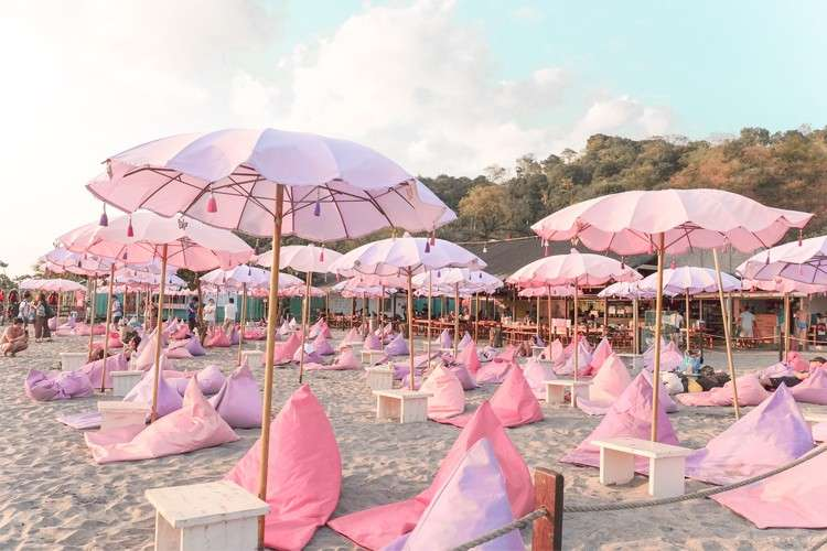 Pink Bali Lounge (Contributed Foto / Happy Beach PH)