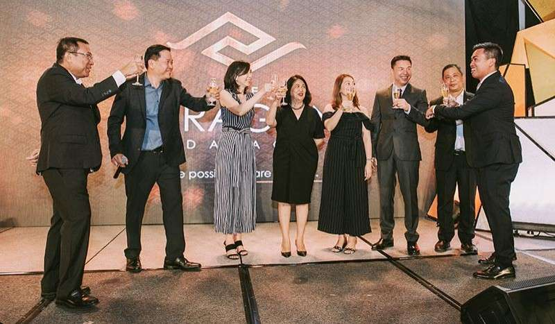 (From left) Jose R. Soberano III, Frederick Huang Yuson, Sarah Yuson, Marose B. Soberano, Susan Huang Tan, Jason Huang, Daniel Wee and Jose Franco Soberano during the ceremonial toast.