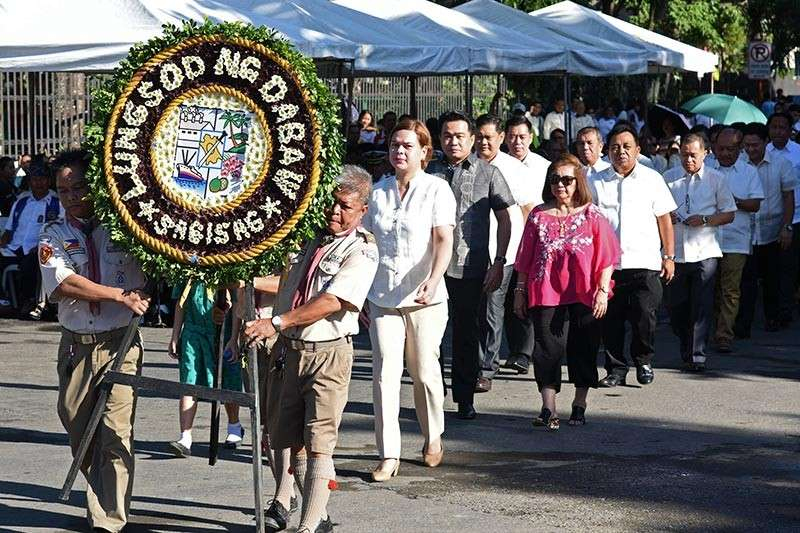 DAVAO. Davao City Mayor Sara Duterte leads the laying of the wreath during Friday's commemoration of the 115th birth anniversary of our hero, Gat. Andres Bonifacio, in Davao City together with the different department heads of the city. (Photo by CIO)
