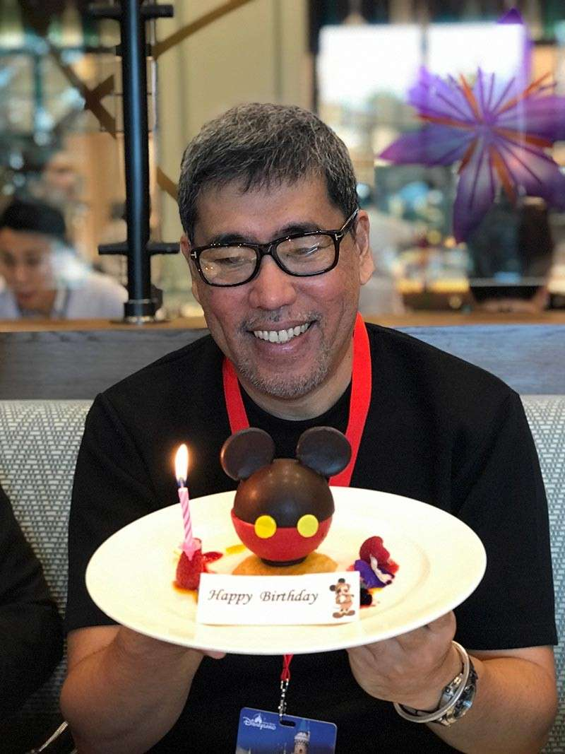 DAVAO: Blew a candle on a Mickey Mouse Cake at Disneyland in HK