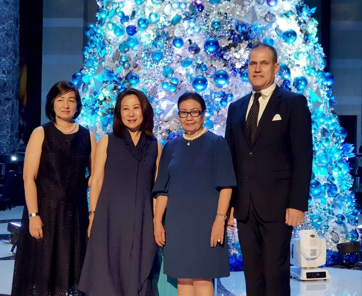 VIP. Peggy Angeles (SM Hotels and Conventions Corp. executive vice president), Elizabeth Sy (SMHCC president), Agnes Magpale (Cebu City Vice Governor) and Stephan Sieberg (Radisson Blu Cebu general manager).