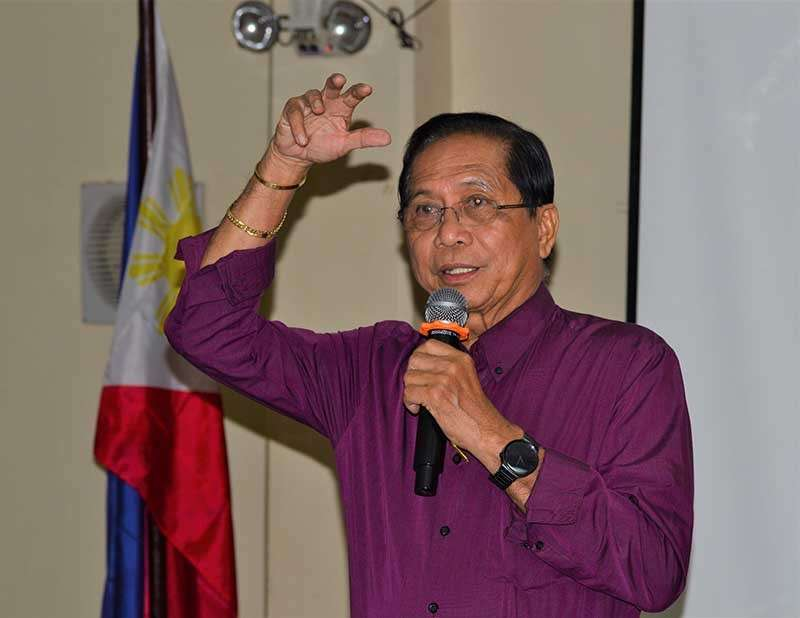 CAGAYAN DE ORO. Peace advocates are saddened by the resignation of Jesus Dureza as President Rodrigo Duterte's chief peace adviser. Photo shows Dureza speaking to journalists during a forum on federalism held in Cagayan de Oro on October 8, 2018. (SunStar file photo)