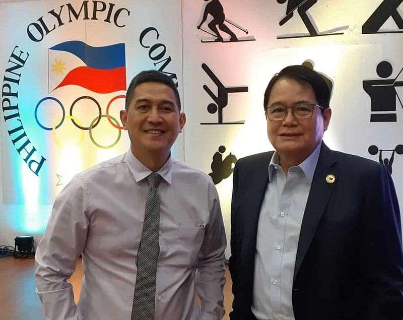 The Tchoukball Association of the Philippines president Raymund Jamelo with Philippine Olympic Committee president Ricky Vargas.