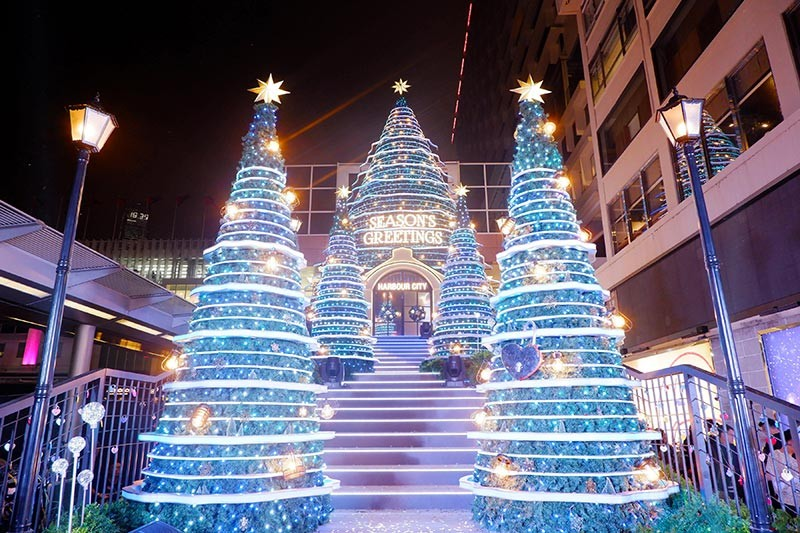 60-foot Christmas tree & 200,000 LED lights light up Harbour City's