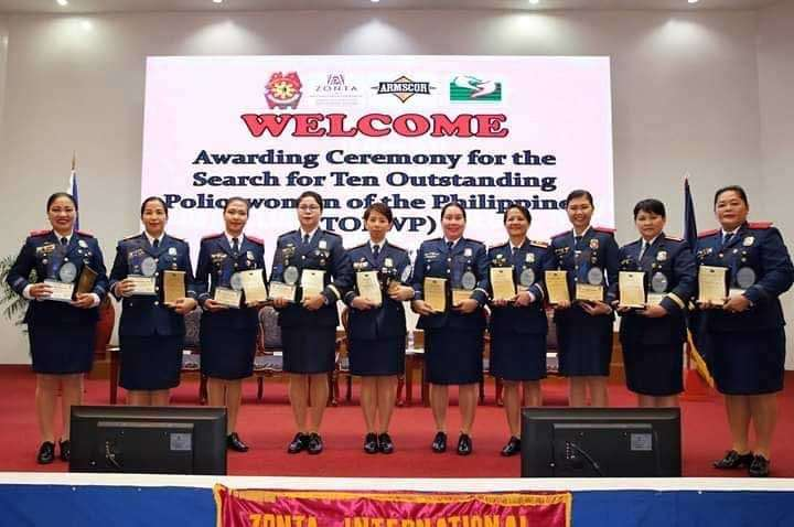 ZAMBOANGA. Chief Inspector Helen Galvez (4th from left), a Zamboangueña police officer and the current Police Regional Office-Zamboanga Peninsula information officer, was chosen as one of the winners in the 2018 Search for The Outstanding Policewomen of the Philippines (TOPWP). (Photo courtesy of PRO-Zamboanga Peninsula PIO)