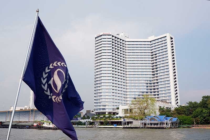 The Royal Orchid Sheraton Hotel & Towers along the Chao Phraya River. (Jinggoy I. Salvador)