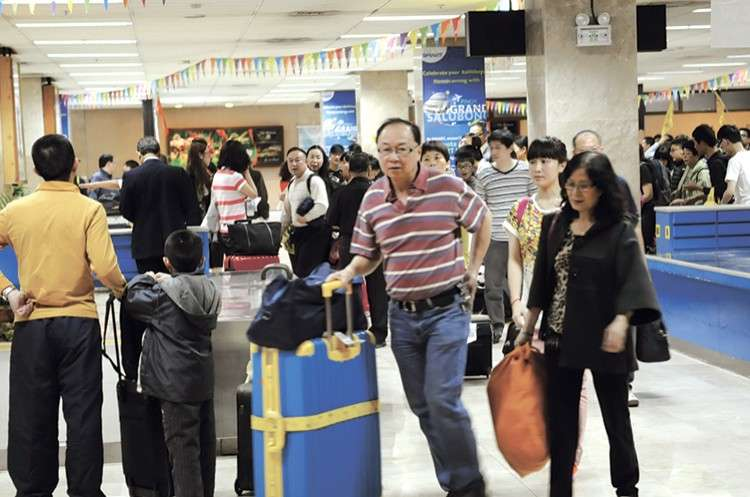 A friendly invasion? The number of Chinese tourists and workers in Central Visayas, particularly Cebu, has ballooned following President Rodrigo Duterte's three visits to the People's Republic of China since he took office in 2016. (SunStar File)