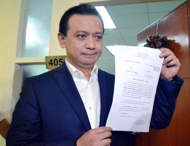 MANILA. Senator Antonio Trillanes IV shows on December 10, 2018  the court order releasing him after he posted bail in relation to the libel charges filed against him by presidential son Paolo Duterte and his brother-in-law Manases Carpio. (Photo by Al Padilla)