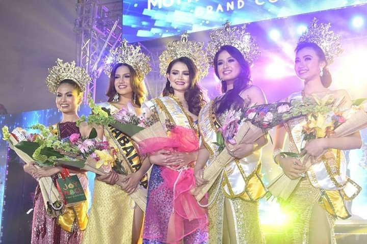 PAMPANGA.(From left to right) Angelica Bianca Lapuz of Mexico town (fourth runner up); Kim Leana Pabustan of Mabalacat City (second runner up); Angela Maria Robson of Angeles City (Mutya ning Kapampangan 2018); Reziah Angelica Famorcan of Lubao town (first runner up); and Mickey Charles Dimacali of San Luis town (third runner up). (Contributed photo)