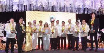 PAMPANGA. Vice Governor Dennis Pineda and former Pampanga governor Estelito Mendoza join the most outstanding Kapampangans in grand rites last Tuesday, December 11. (Contributed Photo)