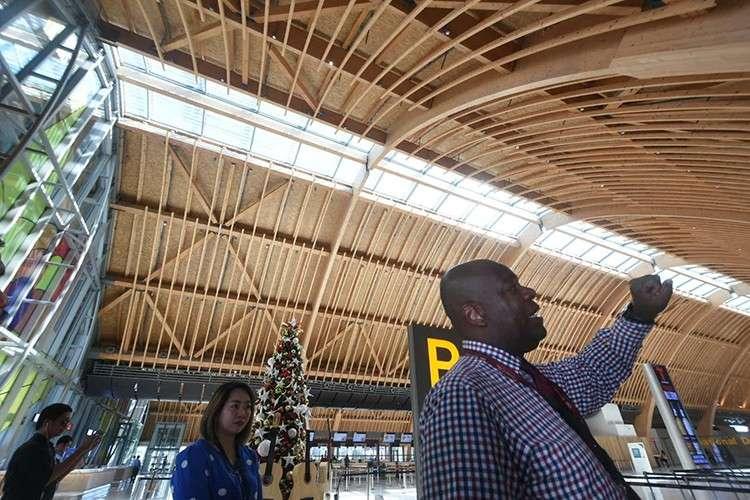 Updates. GMR Megawide Cebu Airport Corp. chief executive adviser Andrew Harrison briefs reporters on the new developments at the Mactan-Cebu International Airport. (SunStar Foto / Allan Cuizon)