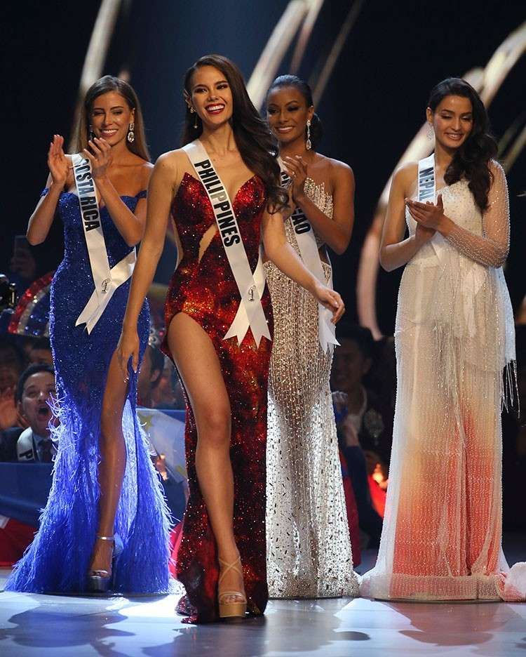 THAILAND. Miss Philippines Catriona Gray (second from left) walks on the stage during the final of 67th Miss Universe competition in Bangkok, Thailand, Monday, December 17, 2018. (AP)