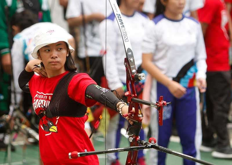 BAGUIO. University of Baguio Cardinals' Loren Chloe Balaoing was on target during the Baguio-Benguet Educational Athletic League (BBEAL) archery tournament held at the University of the Philippines open court topping the gold in the individual contest. (Photo by Jean Nicole Cortes)