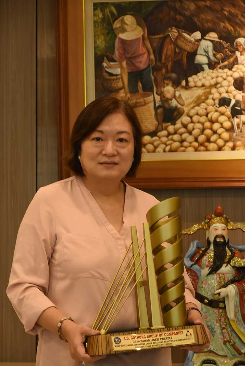BEYOND WHAT IS MANDATORY. Barbara Gothong-Tan says her father, Albino Gothong, started most of the programs that earned for them the Gawad Linaw award. (SunStar file photo/Allan Cuizon)