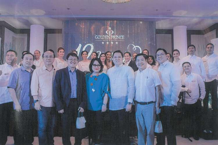 Board of Trustees and Leaders of Cebu Chamber of Commerce and Industry: Christian Paro-an, Francis Dy, Ronald Po, Melanie Ng, Golden Prince Hotel president Benny Que, Robert Go and GPH executive vice president Aaron Que.