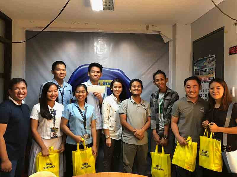 DAVAO. DAVAO. The winners with SunStar Davao editor-in-chief Reuel John Lumawag (leftmost), Smart Communications Public Affairs for South Central Mindanao Haydee Bernade (fifth from right), and Mindanao Times' Yas Ocampo (fourth from right) during the awarding at the SunStar Davao Office on December 28, 2018. (Reuel John F. Lumawag)