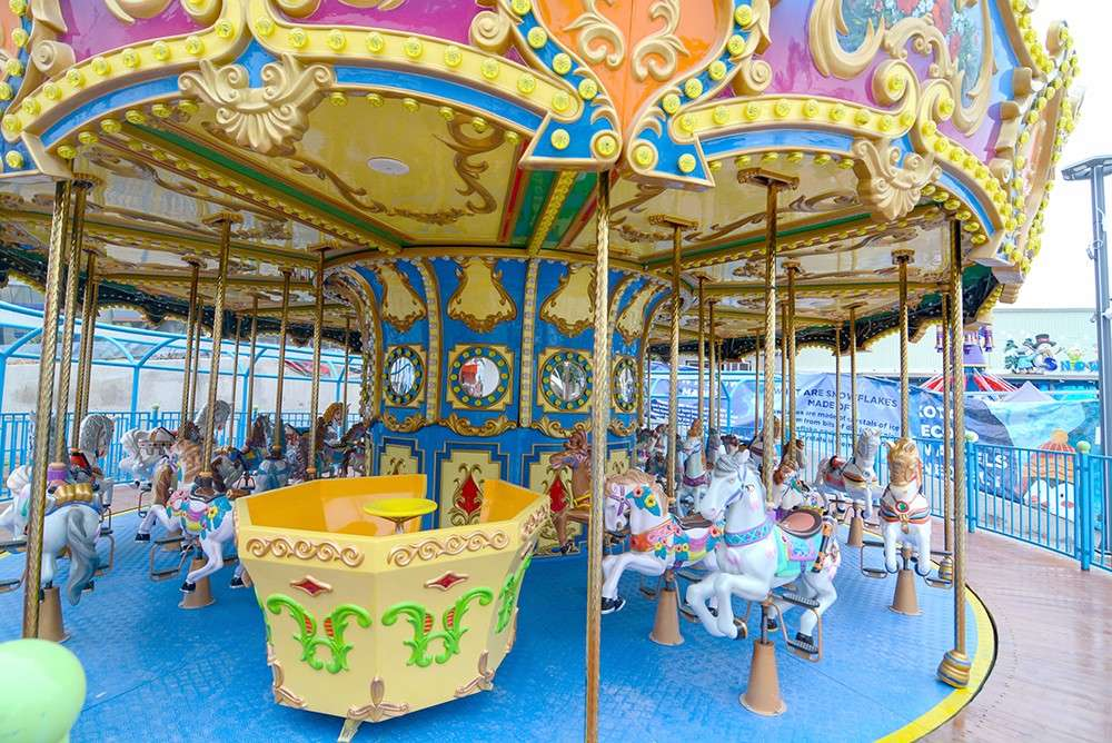 ALL THE PRETTY HORSES. The Golden Carousel at Anjo World can accommodate 38 passengers at a time. The amusement park opened its doors to the public on Saturday, Dec. 22. (SunStar foto / Arni Aclao)