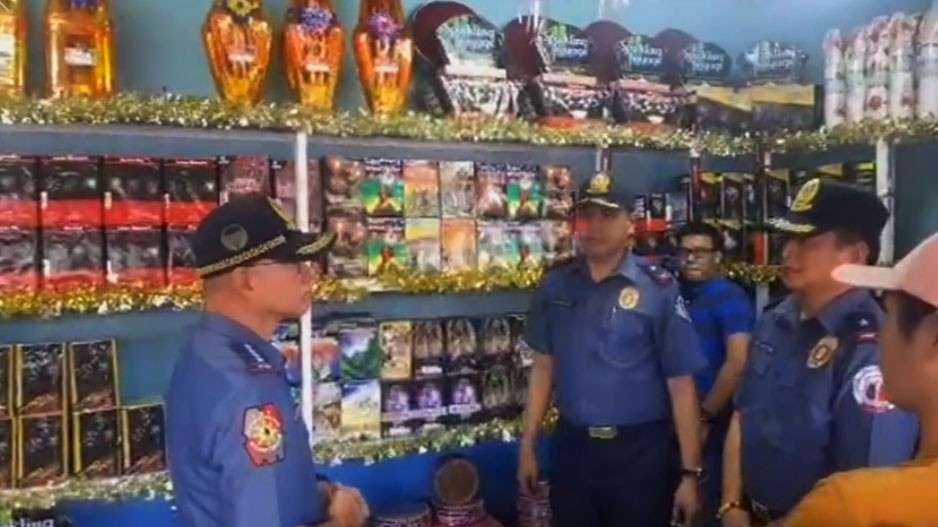 BULACAN. Philippine National Police Chief Oscar Albayalde leads the inspection of firecracker stores in Bocaue, Bulacan, considered the fireworks capital in the Philippines, on Friday, December 28, 2018. (Photo grabbed from PNP Facebook)