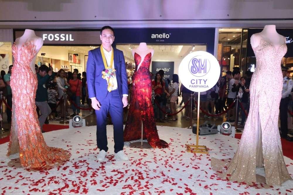 PAMPANGA. World renowned Kapampangan fashion designer Mak Tumang present in an exhibit the three gowns: Adarna, Mayon, and Sinag worn by Miss Universe 2018 Catriona Gray. (Chris Navarro)