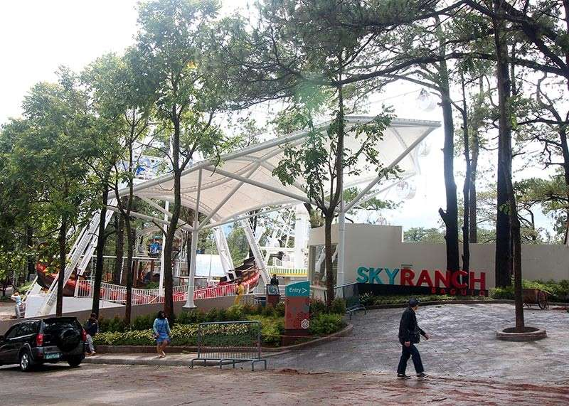 BAGUIO. After the opening of the SM Skyranch, two universities expressed their dismay over the opening of the theme park saying the noise it generates is causing disturbance. (Jean Nicole Cortes)