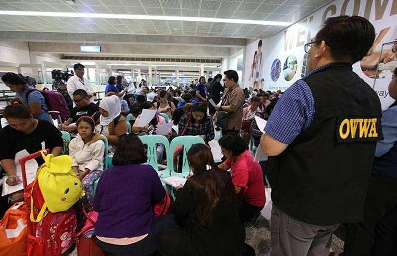 MANILA. A group of Filipinos being repatriated from Dubai. (SunStar File Photo)